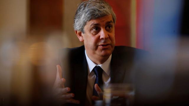 """Governo """"saúda facto de previsões do FMI convergirem com as nacionais"""""""