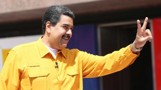 Presidente Nicolas Maduro foi o primeiro a votar no seu centro eleitoral