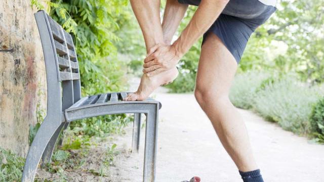 Fascite, a dor que afeta tanto sedentários como atletas