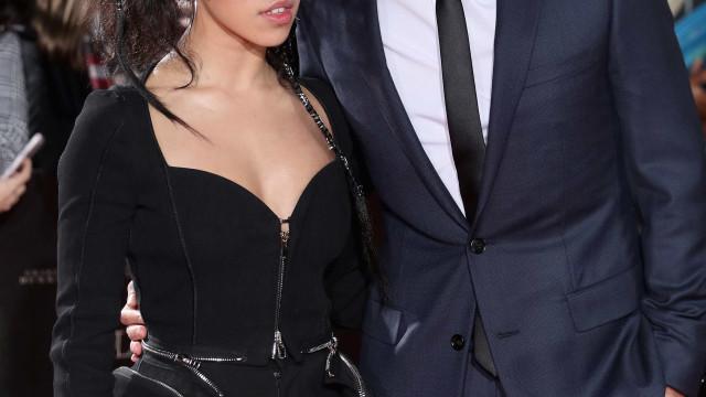 Robert Pattinson fala abertamente da relação com FKA