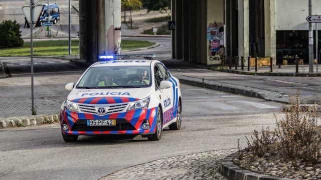 PSP apanha traficantes de droga com armas em Oeiras