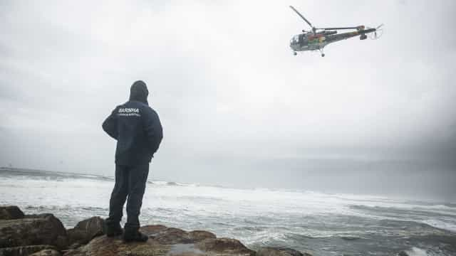 Paradas buscas no mar dos 3 pescadores desaparecidos ao largo de Espinho