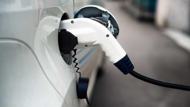 Mais de metade das empresas já têm ou querem ter elétricos nas frotas