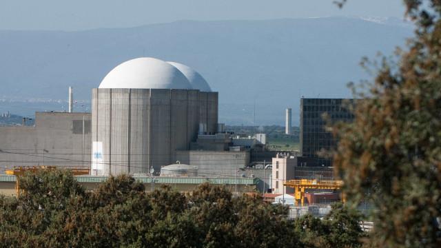 Ambientalistas exigem encerramento da central nuclear de Almaraz