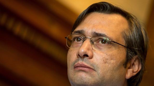 """CDS promete denunciar anúncio de """"medidas simpáticas"""" por PS, BE e PCP"""