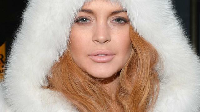 Novo look: Lindsay Lohan 'volta às origens'