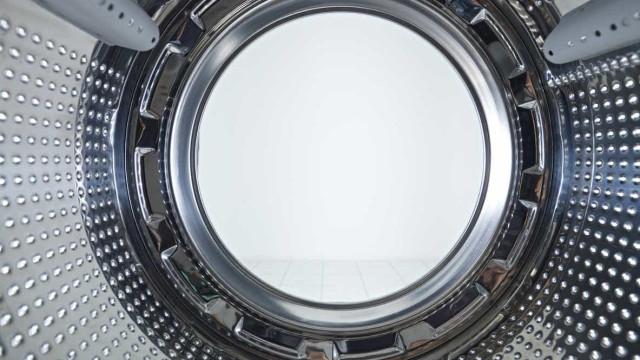 Menino de três anos morre sufocado dentro de máquina de lavar na Rússia