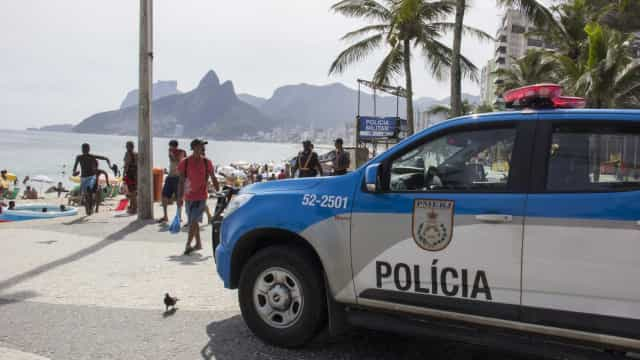 Homem morre no Brasil depois de beber veneno a achar que era vodka