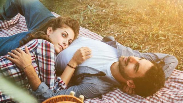 Cinco razões para o seu namorado ainda não lhe ter apresentado ninguém