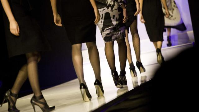 """Hugo Costa leva moda lusa a Paris com um aviso: """"Não pesques o meu peixe"""""""