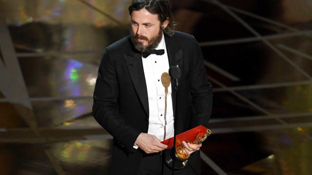 Casey Affleck lamenta não ter mencionado o nome dos filhos nos Óscares