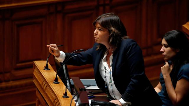 Bloco demarca-se da moção do CDS e questiona Governo