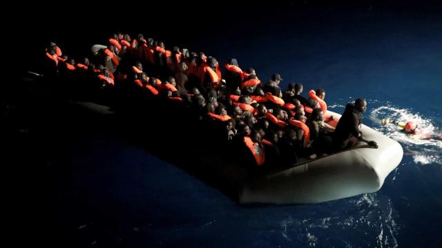 Resgatadas 400 pessoas junto às costas de Espanha nas últimas 24 horas