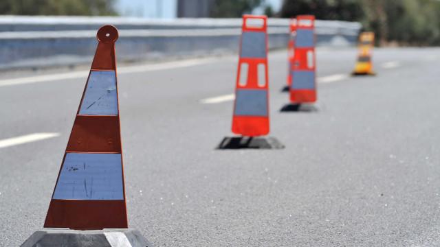 Câmara denuncia risco iminente em estrada. IP promete obras para a semana
