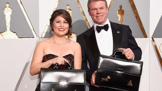 Após cometerem erro nos Óscares, responsáveis andam com guarda-costas
