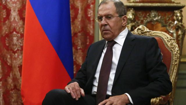 """""""Especialistas"""" deportados da Holanda """"não se escondiam"""", garante Lavrov"""
