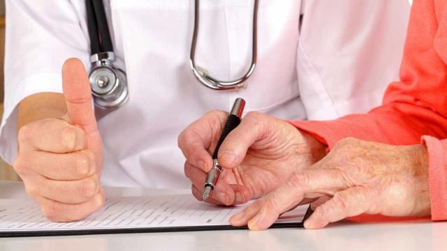 Infarmed garante que não faltará medicamentos para a doença de Parkinson