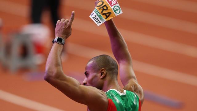 Mundiais de pista coberta: Nélson Évora conquista medalha de bronze