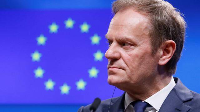 Tusk de acordo com adiamento do Brexit. Mas há condições
