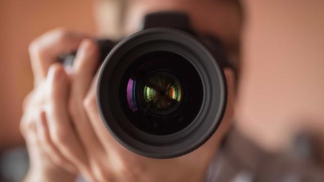 Fotógrafo de celebridades luso-canadiano recusa rótulo de 'paparazzi'