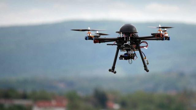 Jato executivo cruza-se com drone na aterragem no Aeroporto do Porto