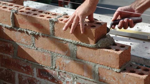 Setor da construção deve abrandar ritmo de crescimento para 4,5% em 2018