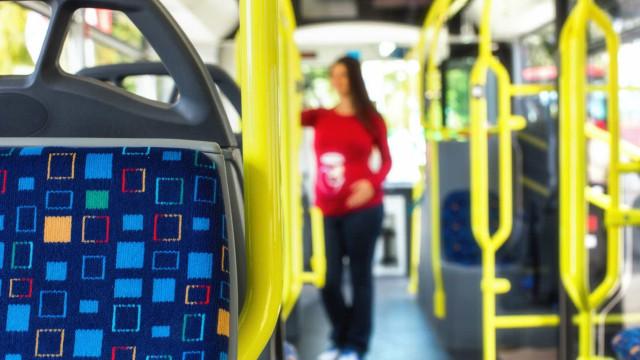 Transportes públicos: Passes mais baratos chegam em abril