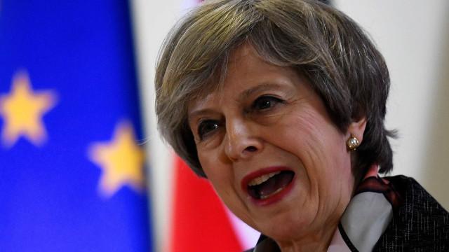 Brexit: Governo britânico disposto a pagar mais à União Europeia