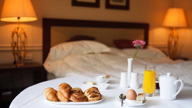 Hotelaria nacional cresce acima das estimativas no 2.º trimestre