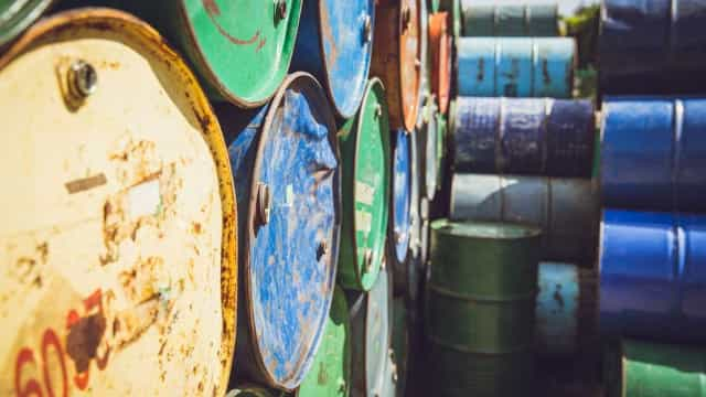 Preço do barril Brent sobe 2,51% para 62,68 dólares