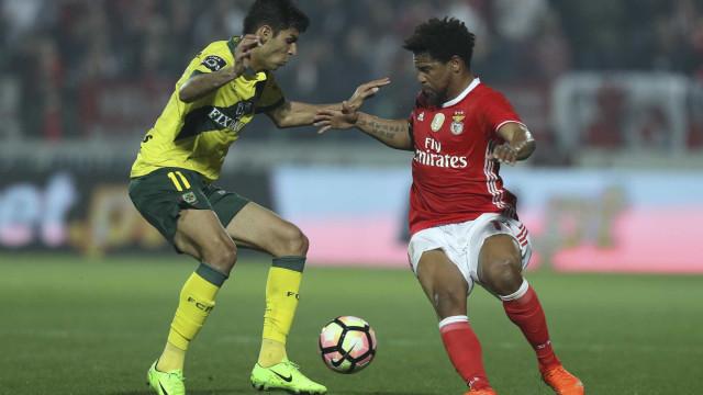 Benfica arruma a casa e há oito jogadores na porta de saída