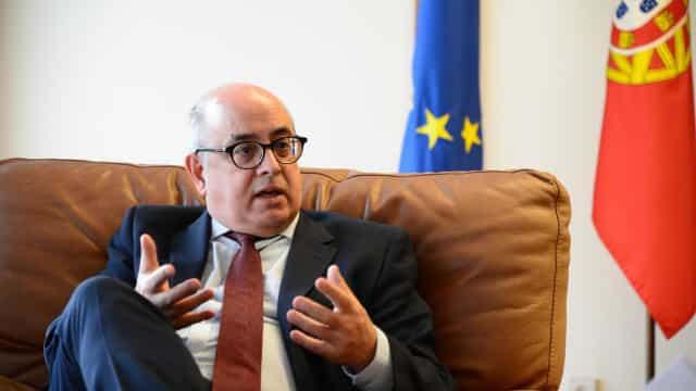 Ministro sem resposta a pergunta do CDS sobre consequências para CEME