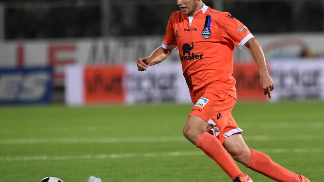 Urgência em adquirir lateral-direito leva Sporting a focar-se em Ritovski