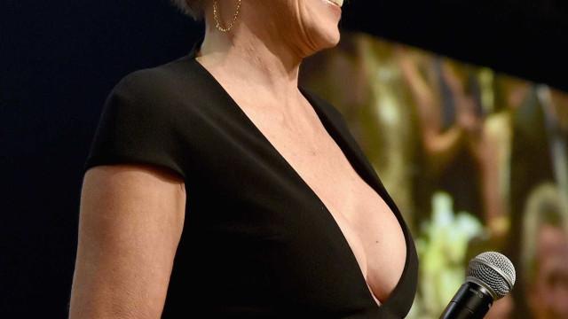 Aos 59 anos, Sharon Stone diz não às operações plásticas