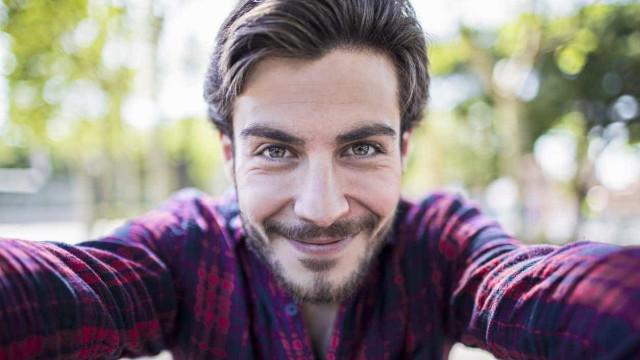 Selfies estão a levar mais pessoas a fazer operações ao nariz, diz estudo