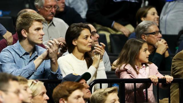 A filha de Tom Cruise e Katie Holmes cresceu... e de que maneira
