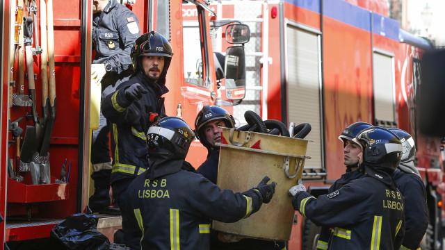 Prédio em risco de derrocada no centro de Lisboa