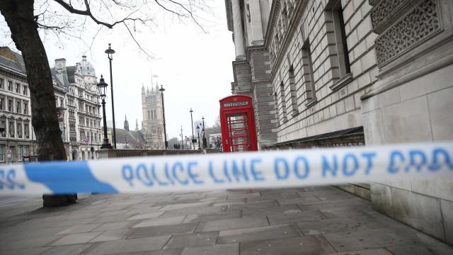 Detido suspeito de ter feito dois reféns em Inglaterra