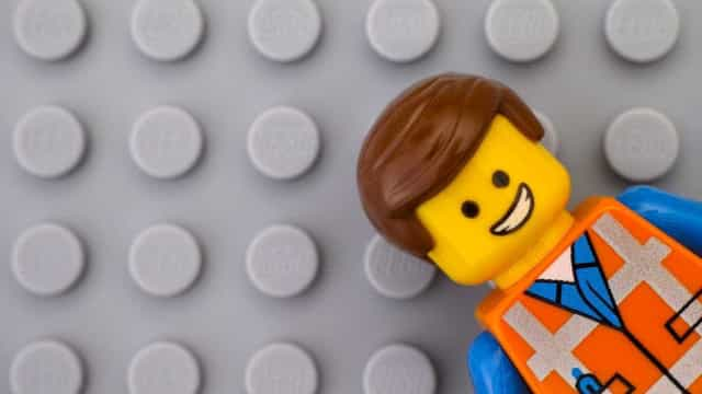 Lego vai despedir 1400 trabalhadores