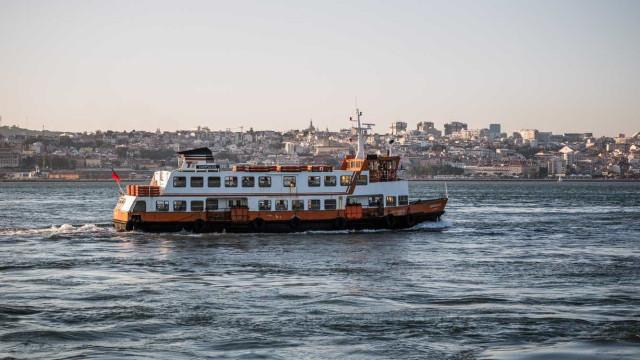 Ligação fluvial Trafaria-Lisboa interrompida por tempo indeterminado
