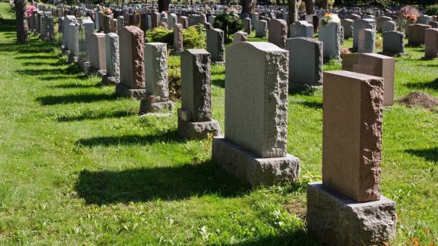Polícia reformado furta corpo de ex-namorada de cemitério