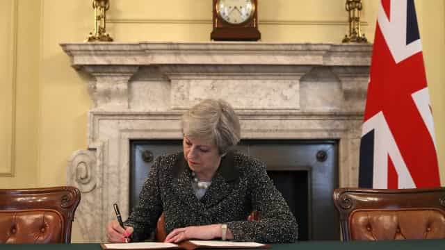 Brexit: Otimismo de May ameaçado por Bruxelas e por próprio partido