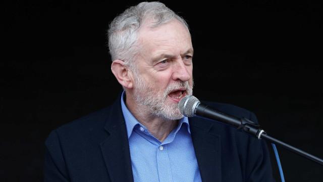Corbyn pede demissão de Theresa May e eleições antecipadas