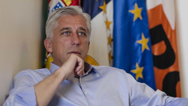 """Líder do PSD/Açores diz serem """"compreensíveis"""" motivos da saída do vice"""