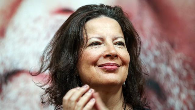 Gabriela Canavilhas designada para conselho de curadores da FLAD