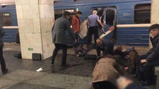 São Petersburgo: As primeiras imagens da explosão no metro russo