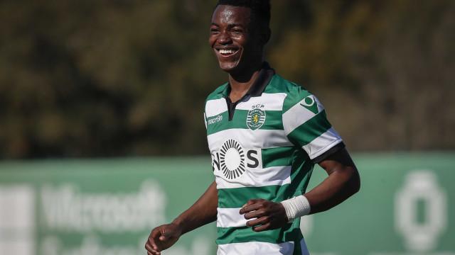 Sporting 'amarrou' Gelson Dala até 2022 antes de o emprestar
