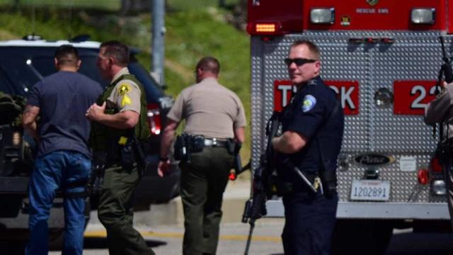 Pelo menos oito feridos em tiroteio em zona de apartamentos na Califórnia