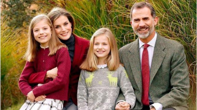 Reis de Espanha criticados por não prepararem Leonor para subir ao trono