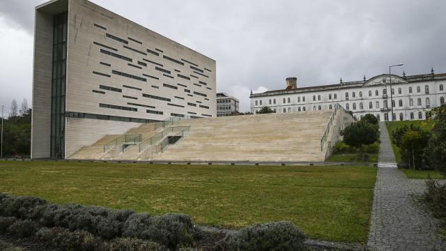 Mestrado conjunto da Católica e Nova de Lisboa no 'top 100'